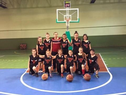 Marmaraereğli Belediye Spor Kulübü minik kız takımımız çorluyu yendi