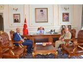 Kaymakam ve belediye başkanından Mehmet Ceylan'ı makamında ziyaret