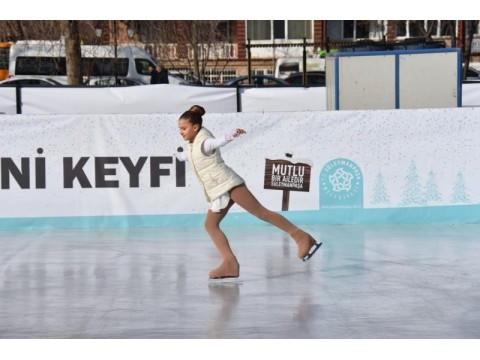 Tekirdağ'da Buz pateni pisti hizmete başladı